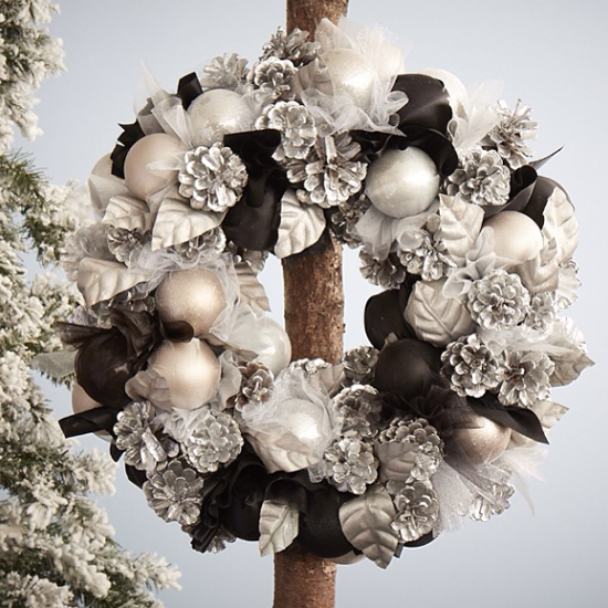 Jane Packer white wreath design