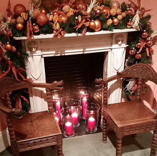 Rob Van Helden Christmas fireplace design