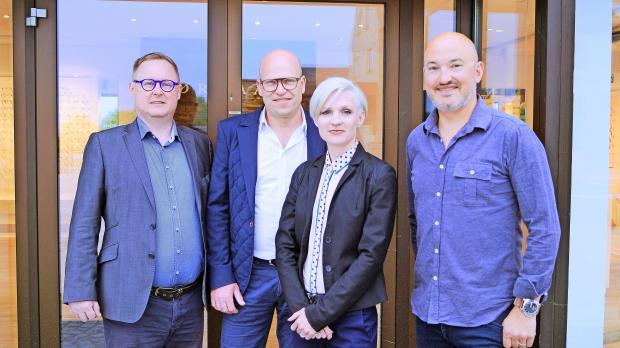 a9d3575eb934 Optiker Peter Nørgaard er ansat i en ny Thiele-butik på Posthustorvet i  Skive. Forretningen er solgt. Også medejer af den nye forretning