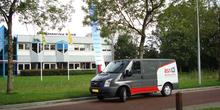 Bus_voor_het_pand_original_normal