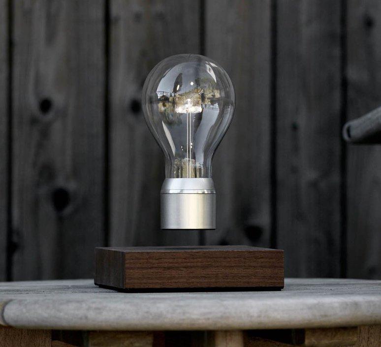 Flyte manhattan 2 0 simon moris lampe a poser table lamp flyte flyte manhattan 2 0  design signed 38828 product