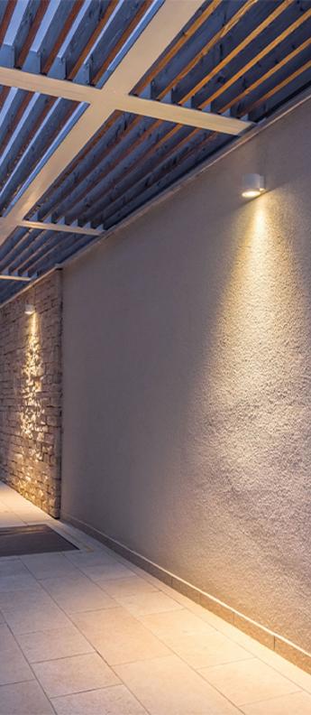 Applique d exterieur tube wall surface 1 0 par16 blanc ip65 l10cm h8cm wever ducre normal