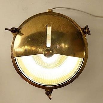 Applique lampe marine etanche en laiton ip 64 o20cm p9cm zangra normal
