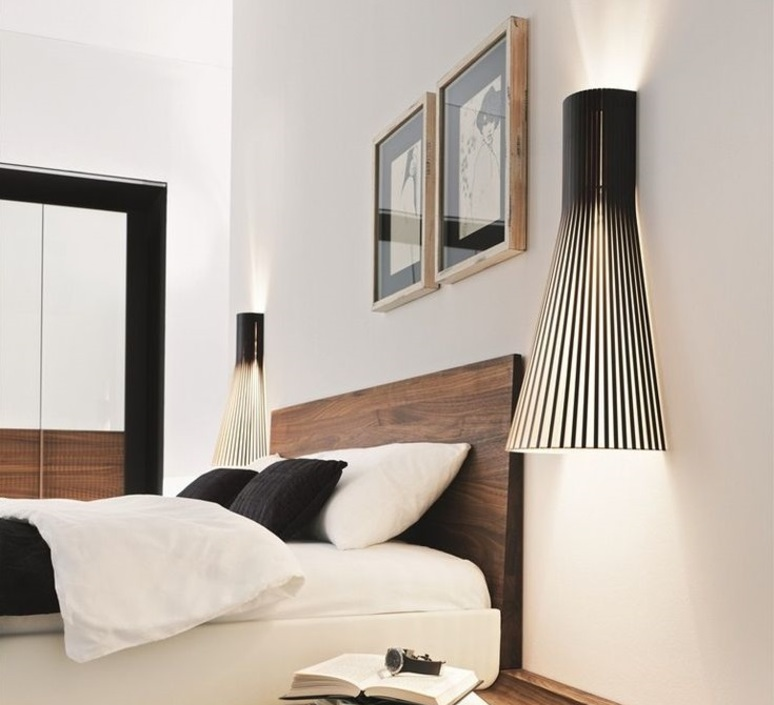 applique murale 4230 noir h60cm secto design luminaires nedgis. Black Bedroom Furniture Sets. Home Design Ideas