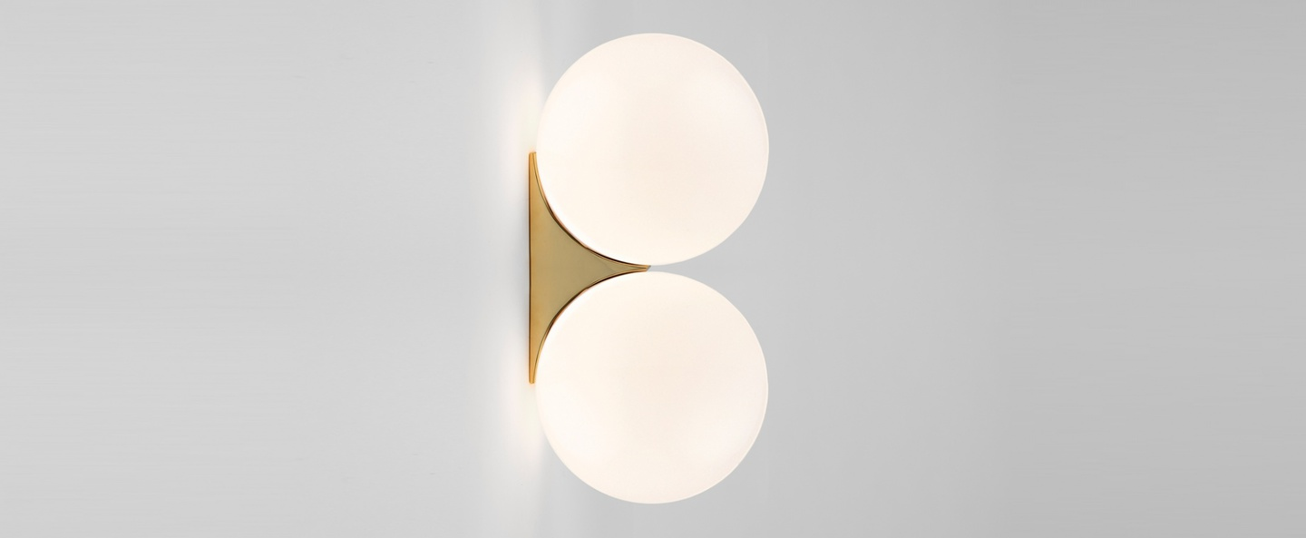 Applique murale brass architecturale double sconce blanc et laiton o15cm h30 4cm anastassiades studio normal