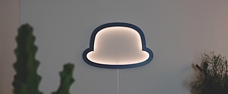 Applique murale chapeau chap o henri bleu led l49cm h32cm atelier pierre normal