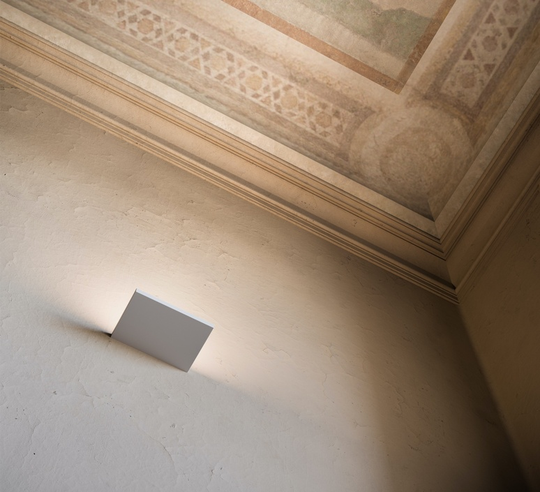 Cm2 w2  applique murale wall light  rotaliana 1c2w200063pl0   design signed nedgis 115442 product