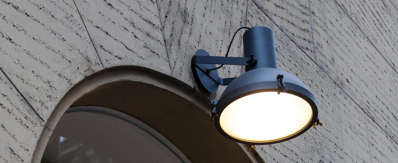 Applique murale d exterieur plafonnier projecteur 365 bleu o37cm h38cm ip54 nemo lighting normal