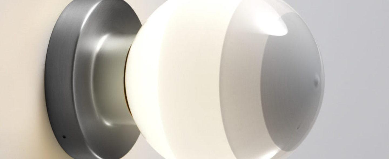 Applique murale dipping light a2 13 blanc casse graphite led 2700k 544lm l12 5cm h22 2cm marset normal