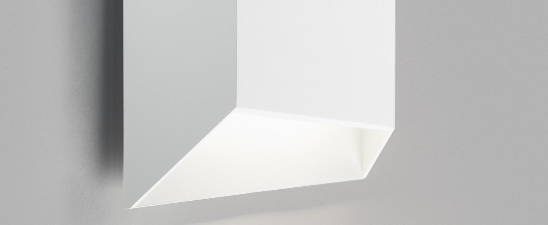 Applique murale facet down w2 blanc ip54 led 3000k 300lm o24cm h24cm light point normal
