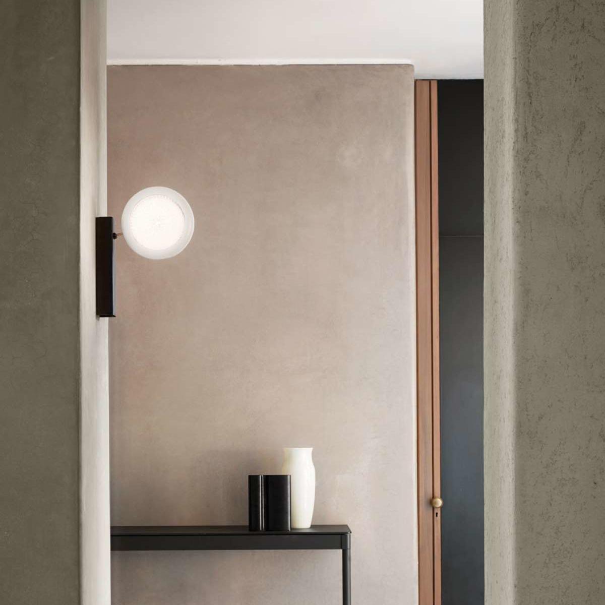 applique murale fly too d84a noir et blanc led 3000k 1546lm l20 5cm h48cm luceplan. Black Bedroom Furniture Sets. Home Design Ideas