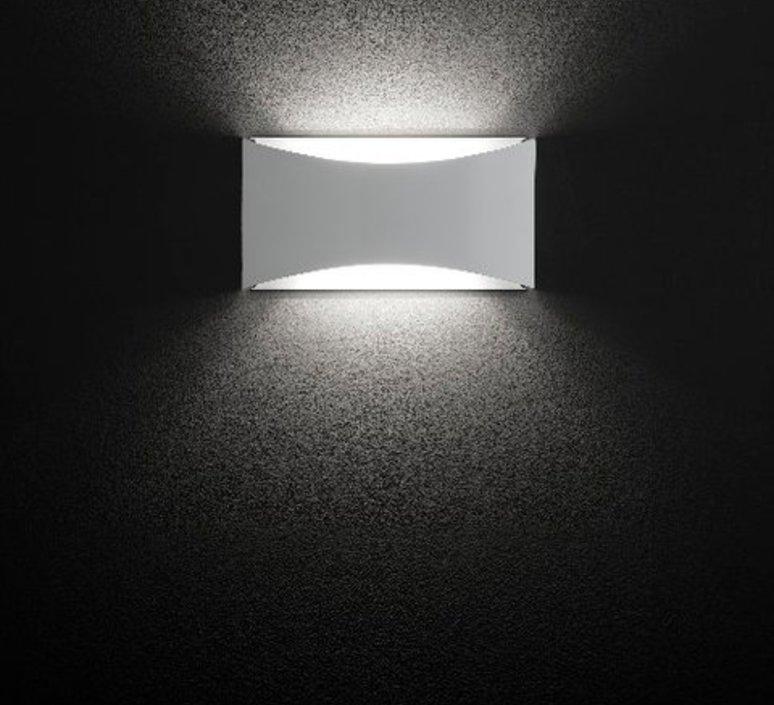 Kelly studio 63 oluce 790 bi luminaire lighting design signed 22441 product