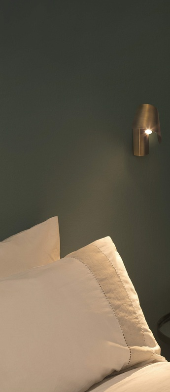 Applique murale le petit bronze led 3000k 130lm l11cm h14cm faro normal