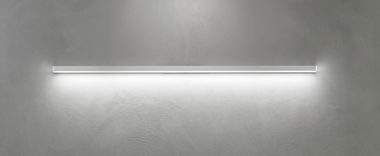 Applique murale linescapes blanc led 3000k 4320lm l4cm h182cm nemo lighting normal