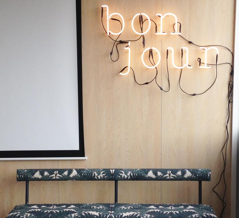 Neon art bonjour transformateur selab seletti 01422 036 luminaire lighting design signed 112075 product
