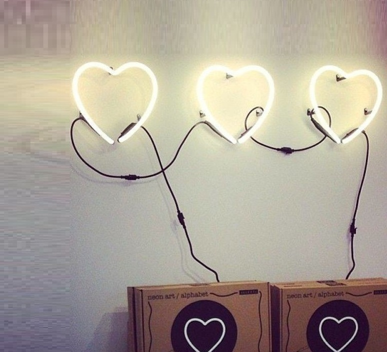 Neon art coeur transformateur selab seletti 01422 cuo 01423 luminaire lighting design signed 16299 product
