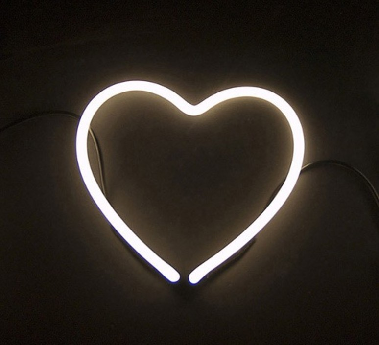 Neon art coeur transformateur selab seletti 01422 cuo 01423 luminaire lighting design signed 16302 product