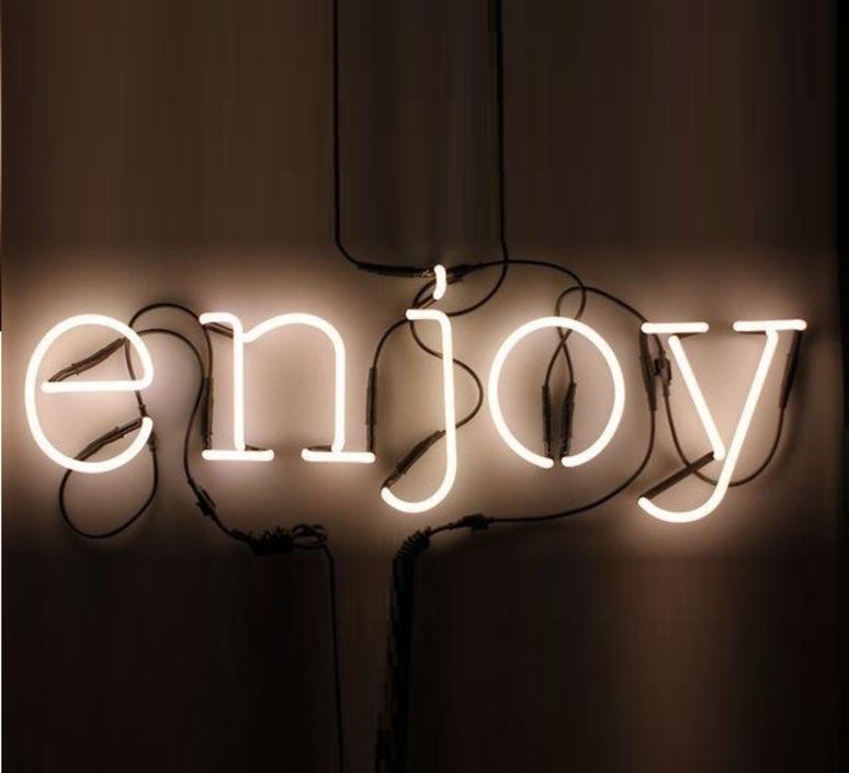 applique murale neon art j transformateur blanc. Black Bedroom Furniture Sets. Home Design Ideas