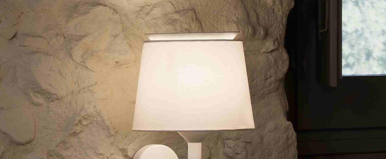 Applique murale savoy liseuse blanc led 3000k 160lm l23cm h50cm faro normal