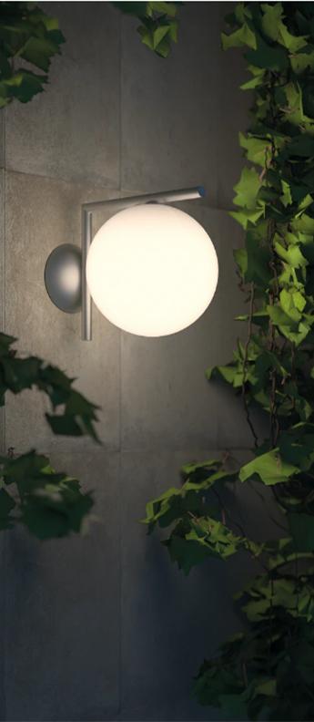 Applique ou plafonnier ic lights wall 1 outdoor opalin et acier inox brosse ip65 l20cm h21 6cm flos normal