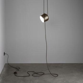 Baladeuse aim lamp noir o24 3cm flos fb3a217c 7b75 4b78 8e2f 4b47d1614783 normal
