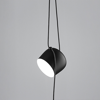 Baladeuse aim lamp noir o24 3cm flos normal