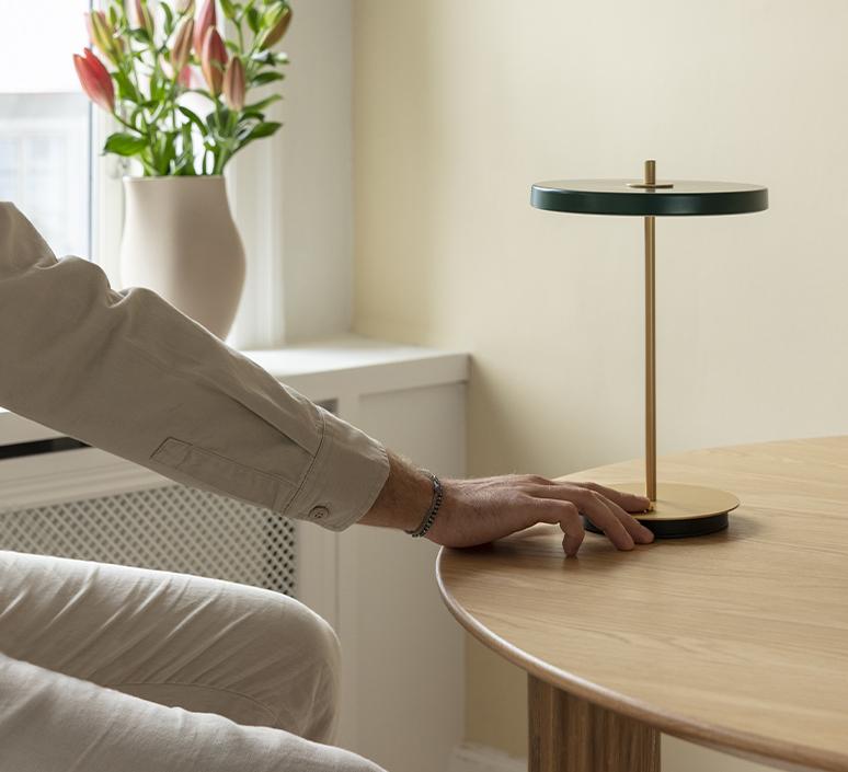 Asteria move soren ravn christensen baladeuse portable lamp  umage 2387  design signed nedgis 118878 product