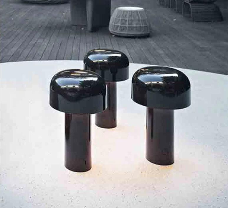 Bellhop edward barber jay osgerby baladeuse portable lamp  flos f1060026  design signed nedgis 98059 product