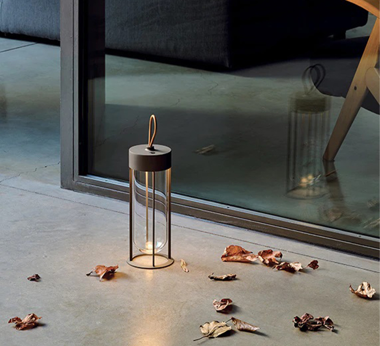 In vitro unplugged philippe starck baladeuse d exterieur outdoor portable lamp  flos f018e21k018  design signed nedgis 114832 product