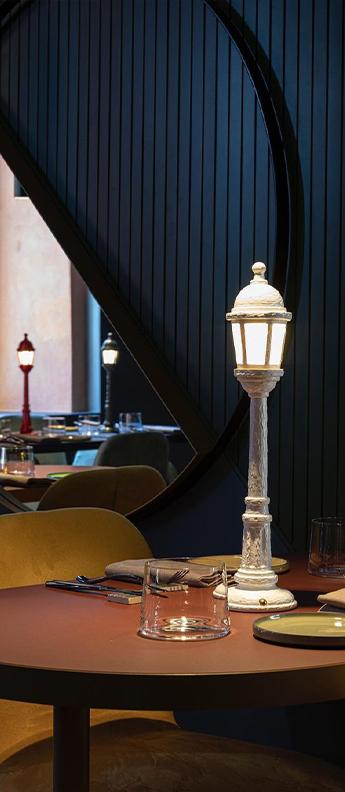 Baladeuse street lamp dining blanc led 3000k 55lm o9 8cm h42cm seletti normal