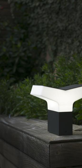 Borne d exterieur tau noir et blanc h21 5cm faro normal