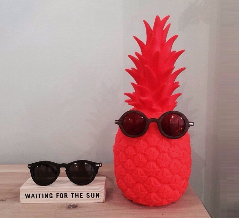 Ananas pina colada eva newton goodnight light pina colada rouge fluo luminaire lighting design signed 60513 product