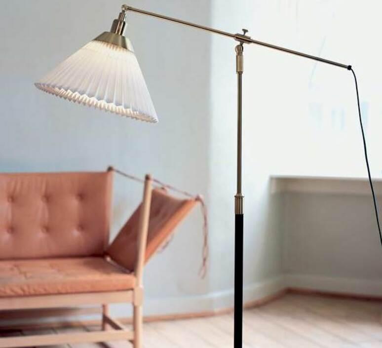 349 aage petersen lampadaire floor light  le klint 349  design signed nedgis 90899 product