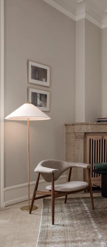 Lampadaire 9602 blanc laiton o24cm h152cm gubi normal