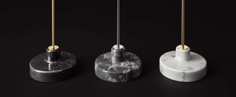 Lampadaire alzabile noir laiton marbre gris led 2700k 806lm l38cm h216cm tato italia normal