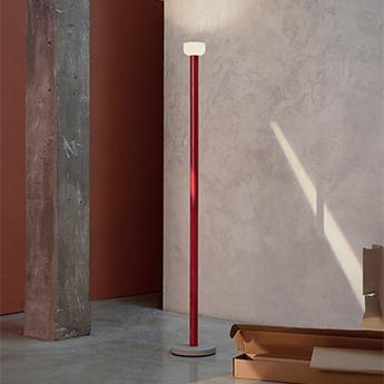 Lampadaire bellhop rouge brique led 2700k 1023lm o26cm h178cm flos normal