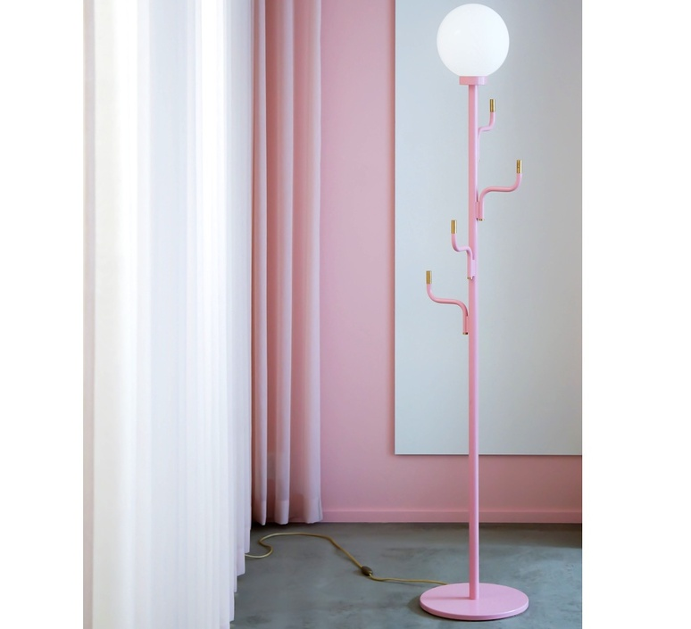 Big darling portementau maria gustavsson lampadaire floor light  swedish ninja bfl06   design signed nedgis 118099 product