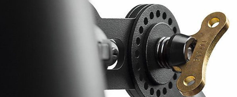 Lampadaire bolt noir 0l96cm h125cm tonone normal