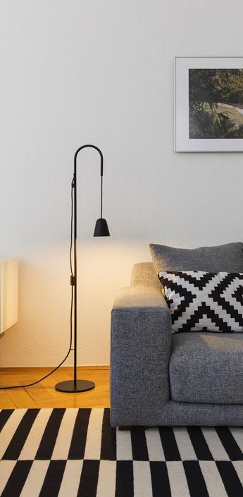 Lampadaire chaplin noir h140cm formagenda normal