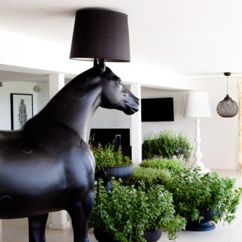 Lampadaire cheval horse lamp noir l230cm h240cm moooi normal