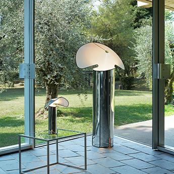 Lampadaire chiara acier inox et blanc bordure noire l72cm h145cm flos normal