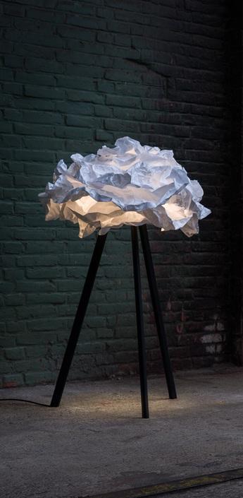 Lampadaire cloud nuage blanc h109cm pieds noirs proplamp normal