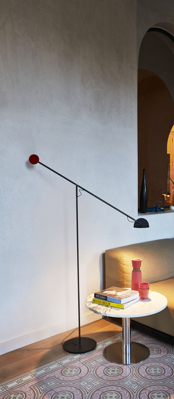 Lampadaire copernica p graphite rouge noir led 2700k 427lm dimmable l104 6cm h130cm marset normal
