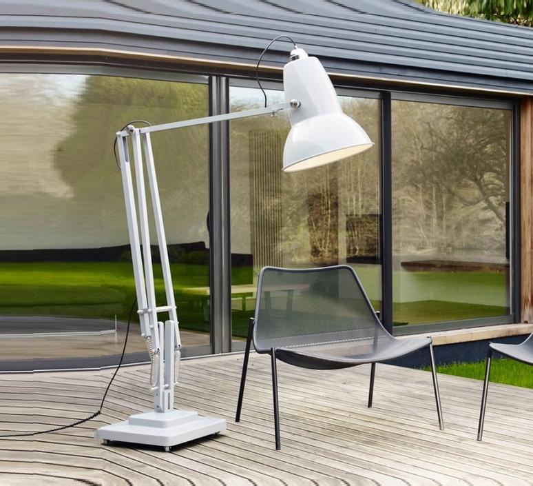 lampadaire d 39 ext rieur original 1227 giant gris brillant h230cm anglepoise luminaires nedgis. Black Bedroom Furniture Sets. Home Design Ideas