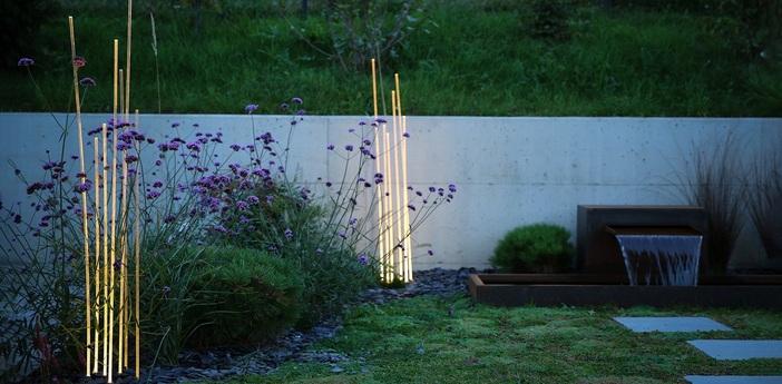Lampadaire d exterieur reeds noir ip67 led 3000k 79lm o22 4cm h150cm artemide normal
