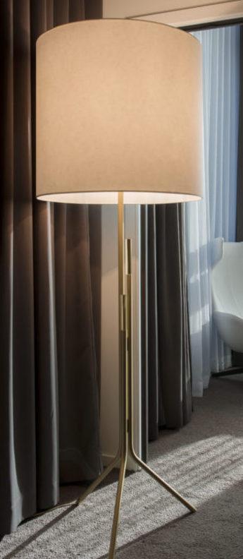 Lampadaire ellis blanc et laiton o60cm h180cm cvl normal
