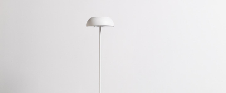 Lampadaire float blanc ip55 o13 5cm h117 7cm axolight normal