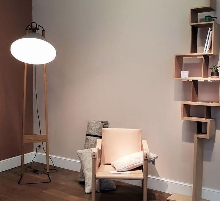 Floor natacha kopec et gary berche lampadaire floor light  kngb kngb floorgris1 chene naturel  design signed nedgis 78142 product