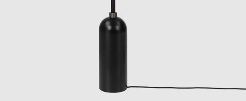 Lampadaire gravity acier noirci o50cm h169cm gubi 011 01154 04 normal