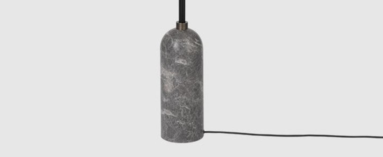 Lampadaire gravity gris marbre o50cm h169cm gubi 011 01154 06 normal